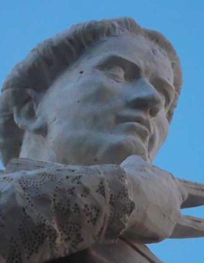 8-statue-estaing